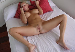 Totally naked milf spread opinion